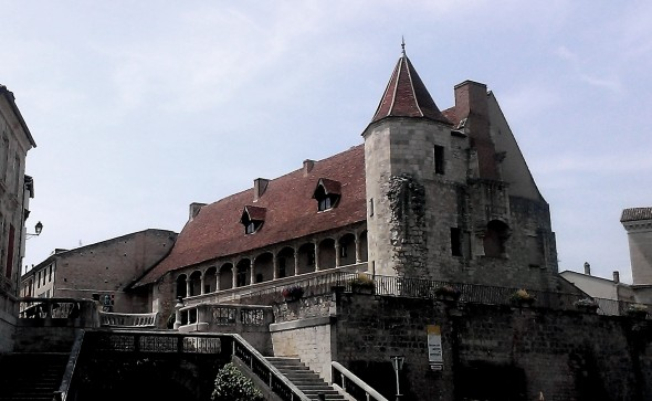 nerac-chateau-Henri-IV-lot-et-garonne
